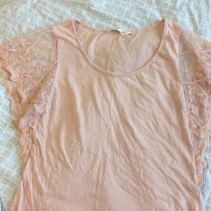 Old Navy peach lace sleeve shirt